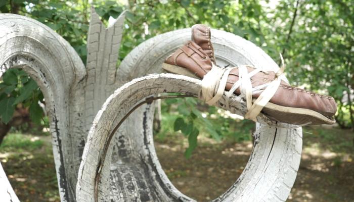 Барнаульцы поддержали запрет использования старых шин во дворах