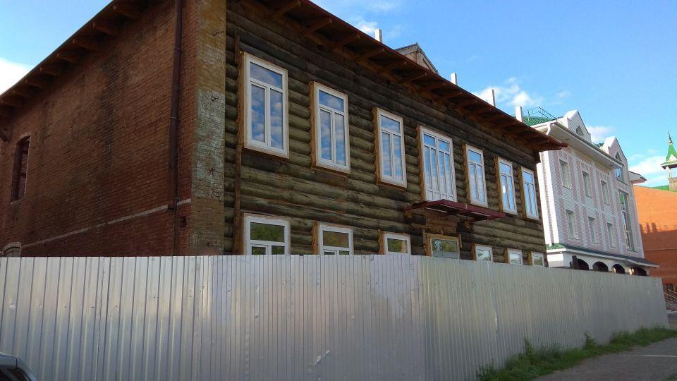 Здание аптеки Крюгера на ул. Пушкина, 64