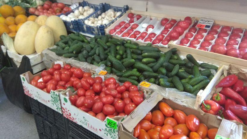 "Цены на овощи на рынке у стадиона ""Динамо"" Фото:""Толк"""