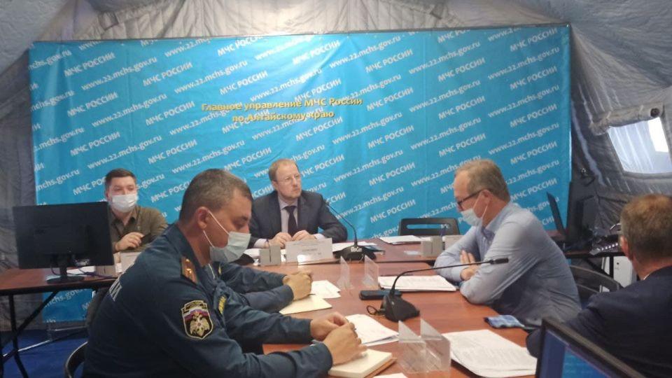 Виктор Томенко в оперативном штабе