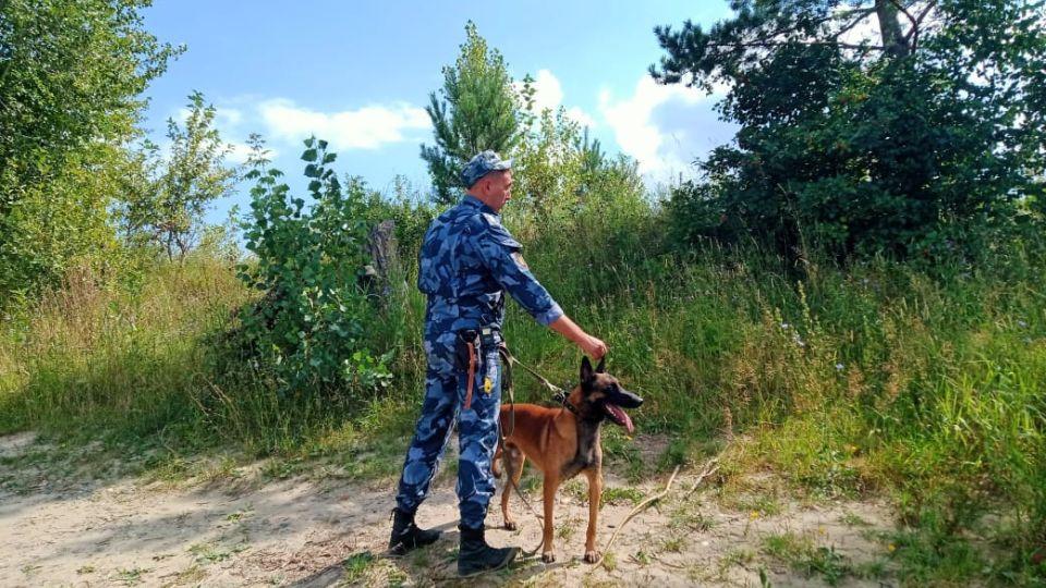 Роман Антипин и его служебный пес Беркут