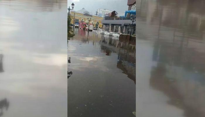 Почти как в Венеции: почему барнаульские ливнёвки не справляются с дождями