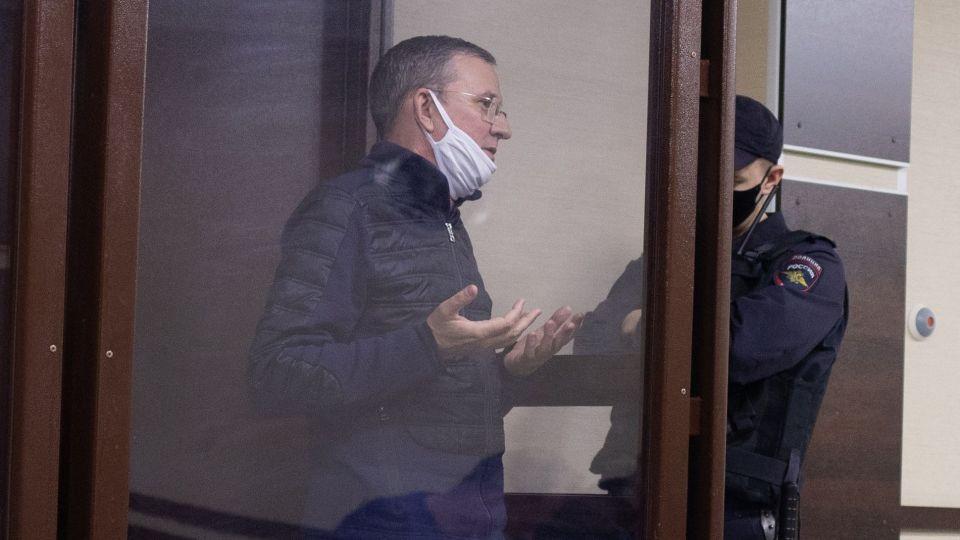 Бывший вице-мэр Барнаула Сергей Дёмин в зале суда