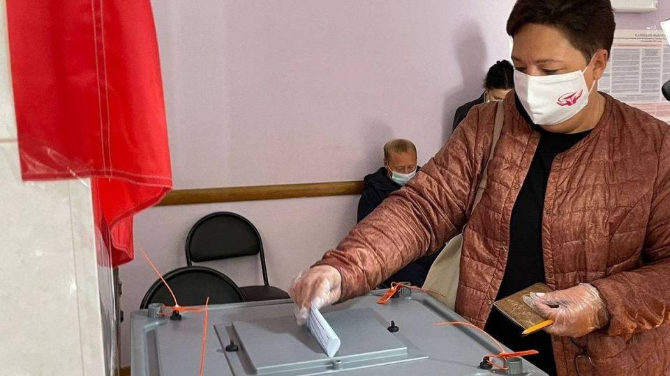 Председатель Алтайской краевой организации Профсоюза работников здравоохранения РФ Ирина Смирнова на выборах