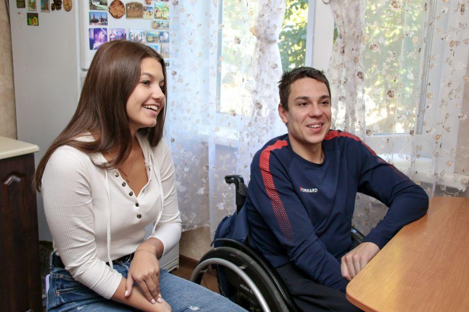 Роман Жданов с женой Викторией