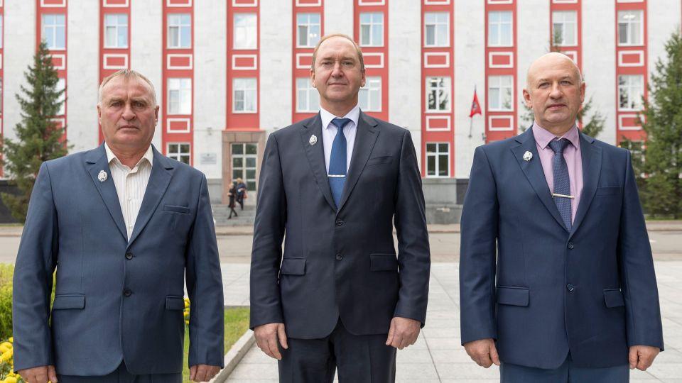 Сотрудники Алтай-Кокса. Награждение
