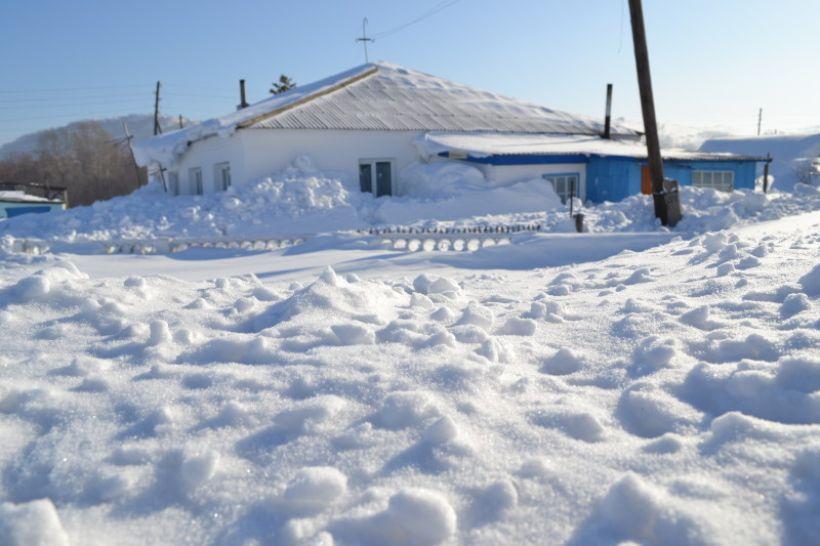 В селах Змеиногорского района эта зима оказалась особенно снежной Фото:Алексей Кучерявых