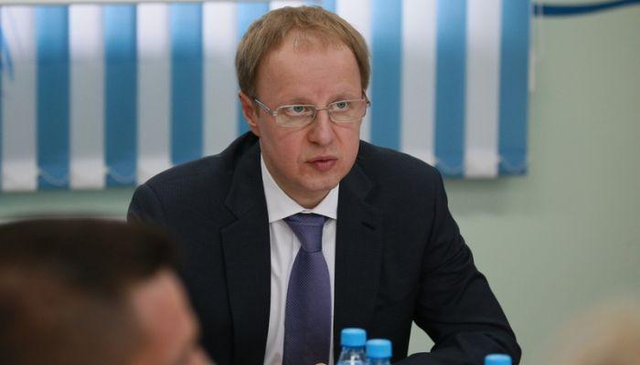 Томенко обсудил спасение Барнаулкапстроя от банкротства