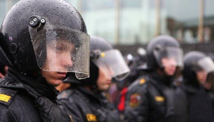 СМИ сообщили о задержаниях на акциях в защиту фигурантов Нового величия