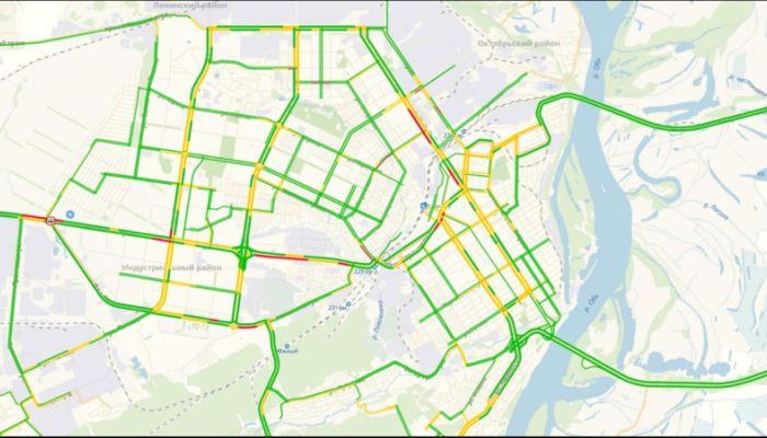 Пробки в шесть баллов сложились утром 31 октября на дорогах Барнаула