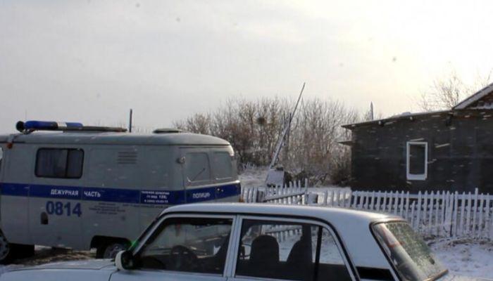 Не хватило алкоголя: житель алтайского села травмировал друга во время застолья