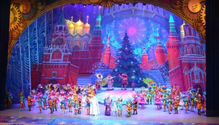 Поездка алтайских школьников на Кремлевскую елку обойдется в 2,5 млн рублей