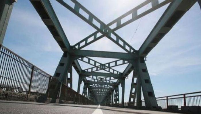Движение транспорта на Старом мосту в Барнауле ограничат 22 ноября