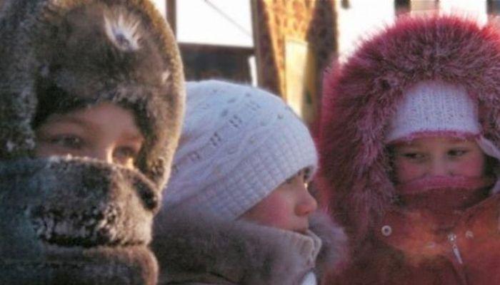 Отпускать ли ребенка в школу в сильные морозы на Алтае?