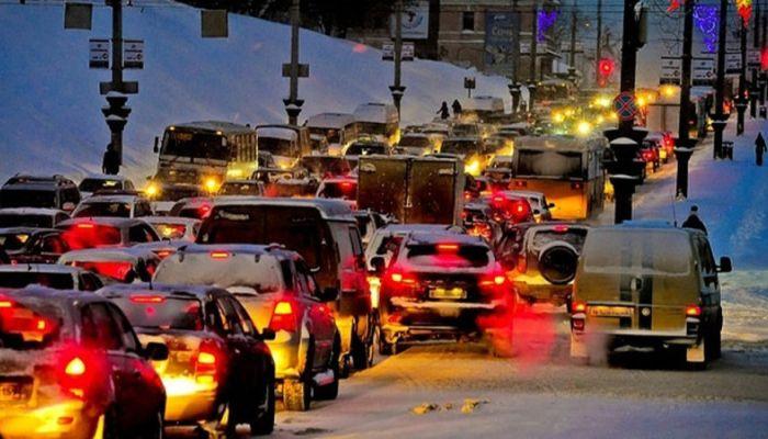 Пробки в семь баллов: где сложнее всего проехать в Барнауле утром 18 декабря