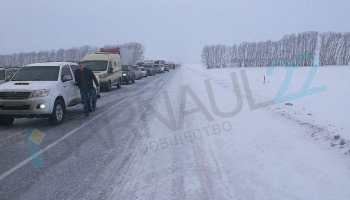 Дороги снова перекроют 17 января на Алтае из-за движения военных колонн