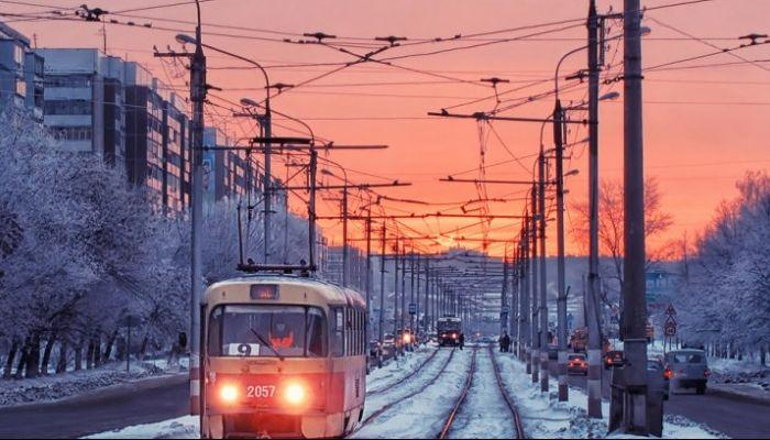 Пешеход попал под трамвай в Барнауле