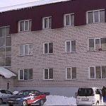 Барнаульским сиротам предоставили жилье в холодном доме с сыростью и плесенью