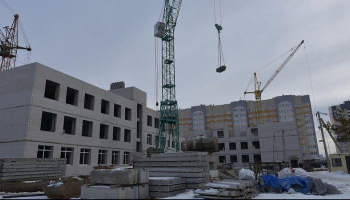 Новую школу в микрорайоне 2006а в Барнауле достроят в 2019 году