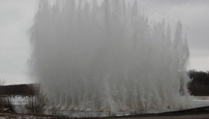 Лед на реке Бия начнут взрывать в Бийске 19 марта