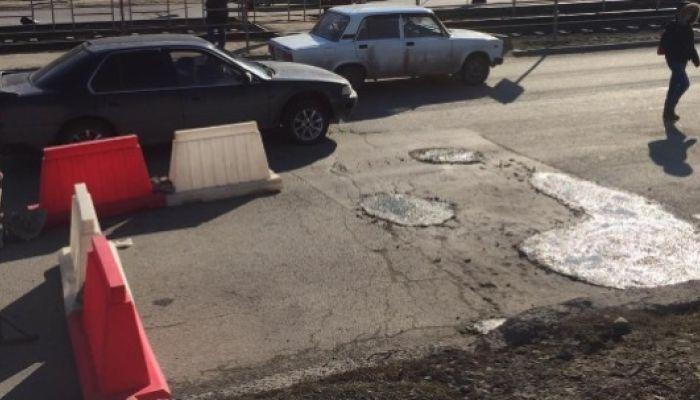Участок улицы Попова забетонировали и оградили в Барнауле