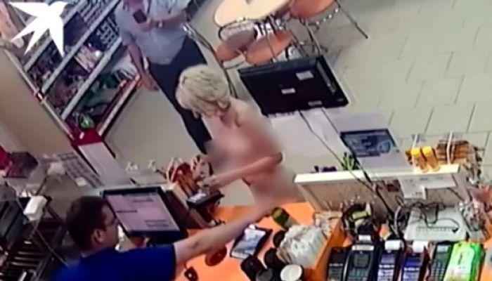 Снимавший на видео голую клиентку АЗС судья лишился статуса