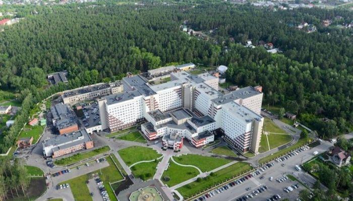 Возле краевой клинической больницы в Барнауле построят 75-метровые жилые дома?
