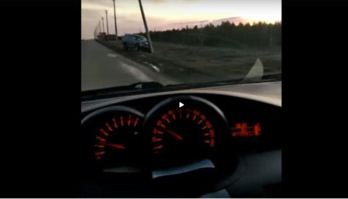 Чистый лед: водителей предупреждают о скользкой трассе за Бийском