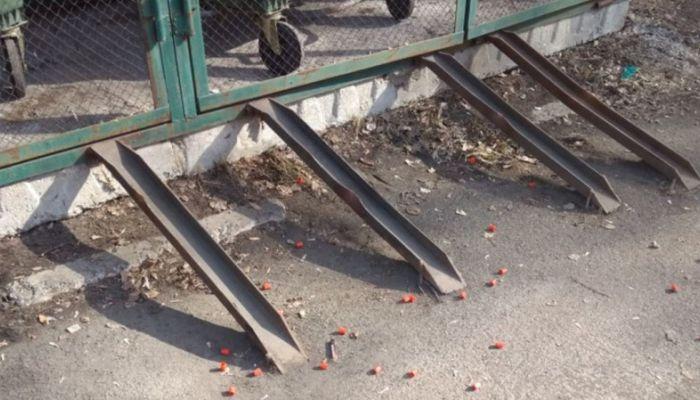 Власти Кемерова проверят данные о разбитых пробирках с кровью возле СПИД-центра