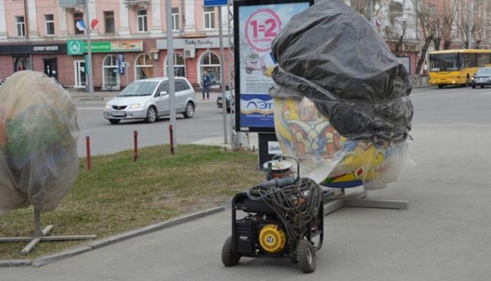 Огромные пасхальные яйца появились на улицах Барнаула