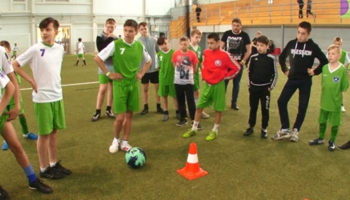 Команды детских домов Сибири встретились на соревнованиях по футболу в Барнауле