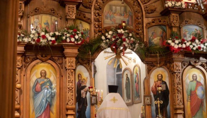 Пасхальные богослужения в Барнауле. Фоторепортаж