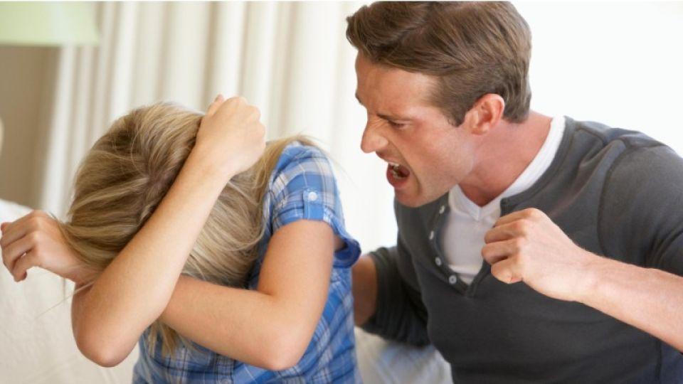 Бьет – значит любит: почему процветает домашнее насилие и кто в этом виноват?