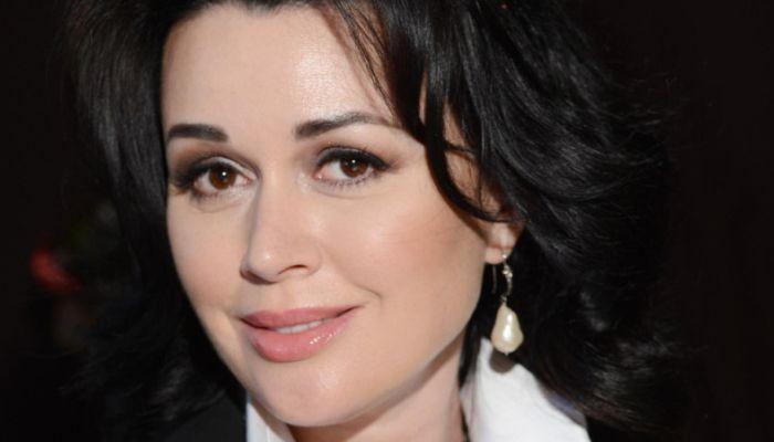 Представитель Заворотнюк прокомментировал слухи о раке мозга у актрисы