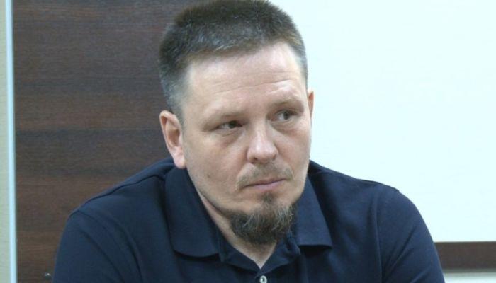 Барабанщик, единоросс, бизнесмен: кем был осужденный алтайский депутат Волков