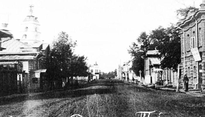 Барнаульский хронограф: улица Льва Толстого и Театр музкомедии
