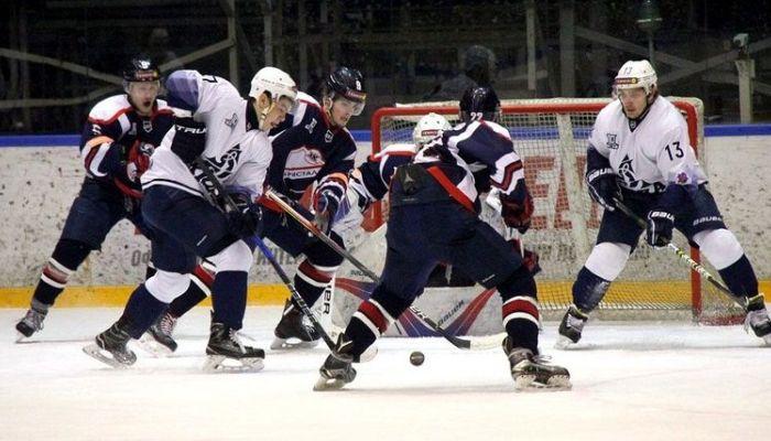 Алтайские хоккеисты обыграли саратовцев в матче первенства Высшей хоккейной лиги
