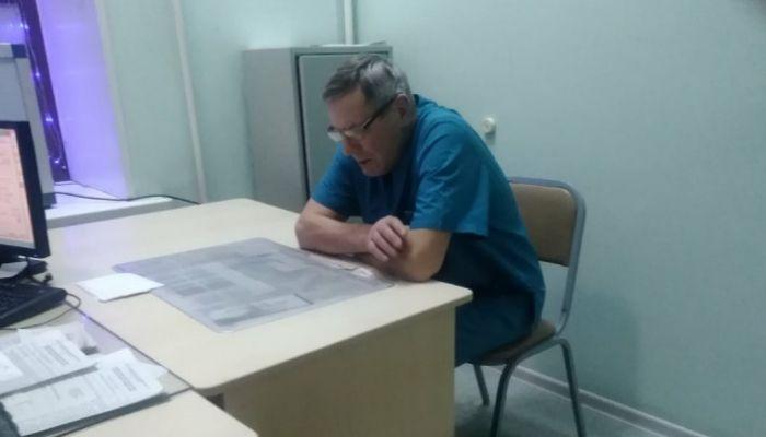 Пожилой сибирский травматолог выпил и отказался принимать пациентов