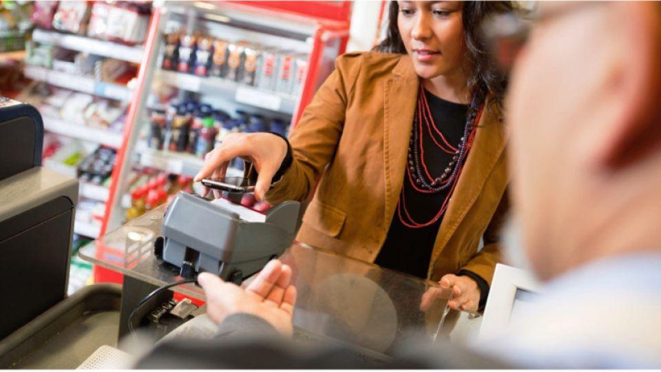 Крупнейшие банки перестали выдавать кредиты в магазинах
