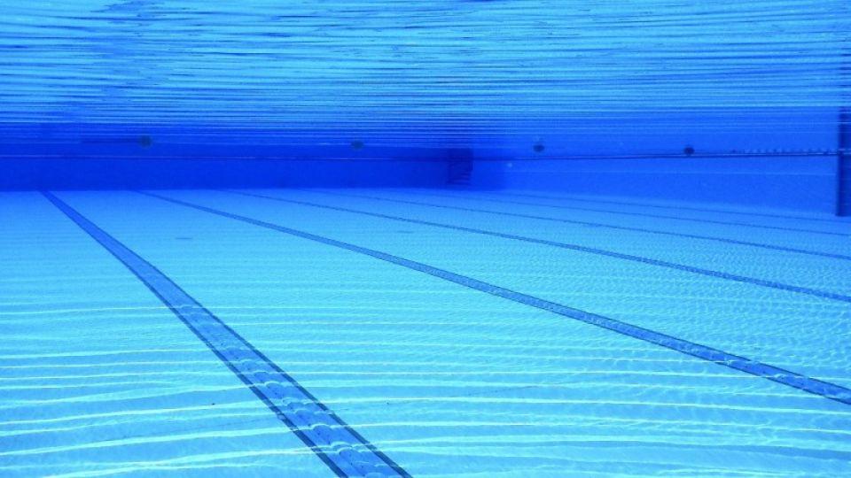 В каких случаях от взрослых и детей могут требовать медсправку в бассейнах