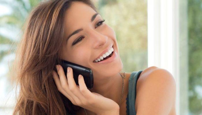 Россияне стали реже пользоваться мобильной связью