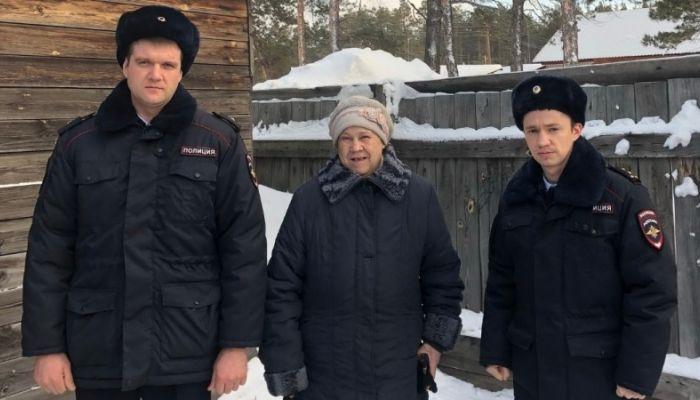 На Алтае спасли замерзающую в лесу женщину
