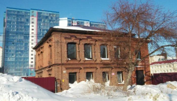 Крупный застройщик купил случайно выживший дом-памятник в Барнауле