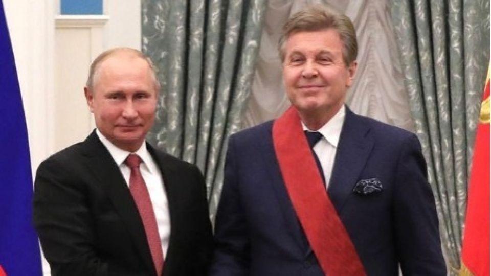 От 12 тысяч и больше. Российские звёзды массово рассказывают о своих пенсиях