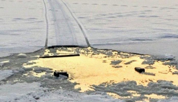 Ушли под лед: двух барнаульских рыбаков ищут в Каменском районе