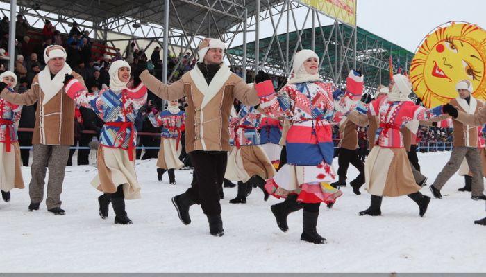 30 тысяч человек съехались на Сибирскую Масленицу в Алтайский край