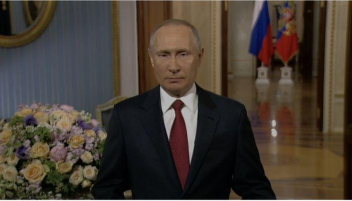 Лучшие в мире: Путин поздравил россиянок с 8 марта
