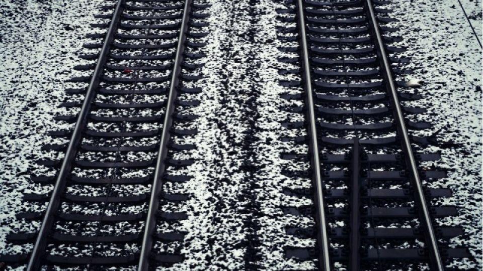 Поезд сбил девушку в Барнауле