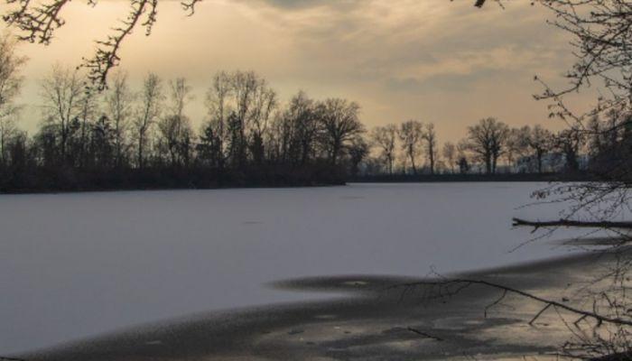 Следком: житель алтайского села утопил в зимнем Чумыше экс-сожителя матери