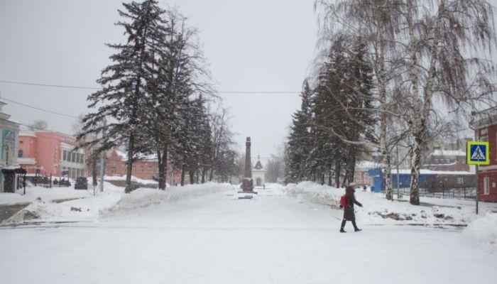 Шторм с сильным ветром, мокрым снегом и дождями надвигается на Алтай